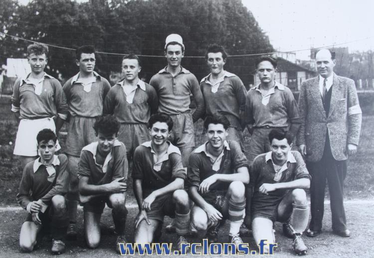 https://www.rclons.fr/wp-content/uploads/2021/05/Juniors-1950-1951.jpg